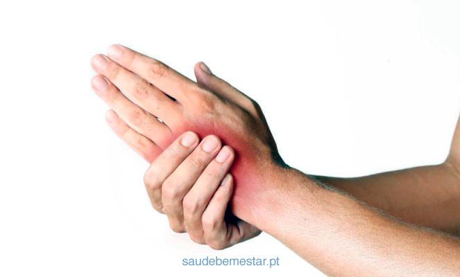 dor no lado esquerdo do pulso